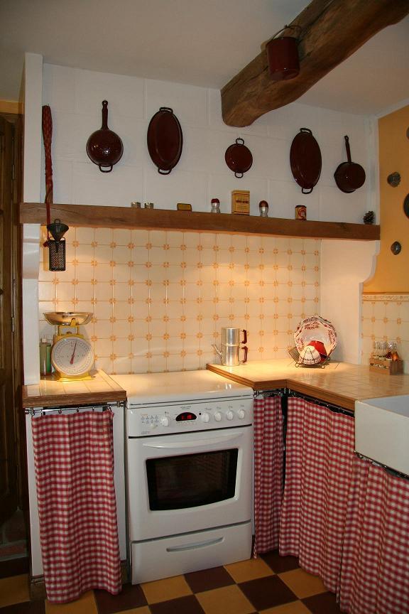 Travaux dans la cuisine la maison des hippos - Type de hotte de cuisine ...