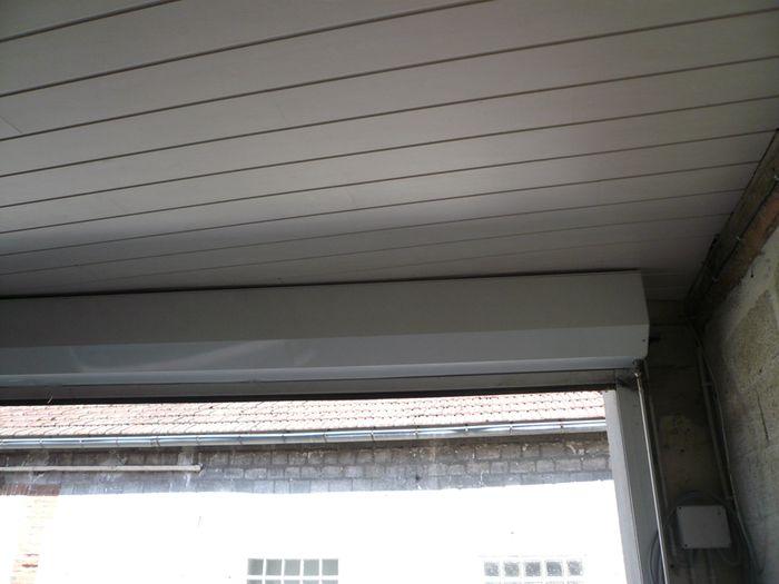 Garage la maison des hippos for Isolation de plafond de garage