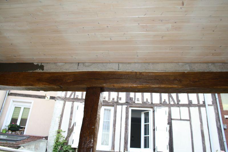 La maison des hippos for Tache blanche sur bois fonce