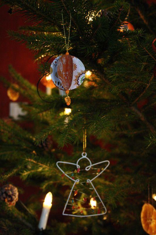 Boules de papier dans Décorations de Noël boule-papier-4