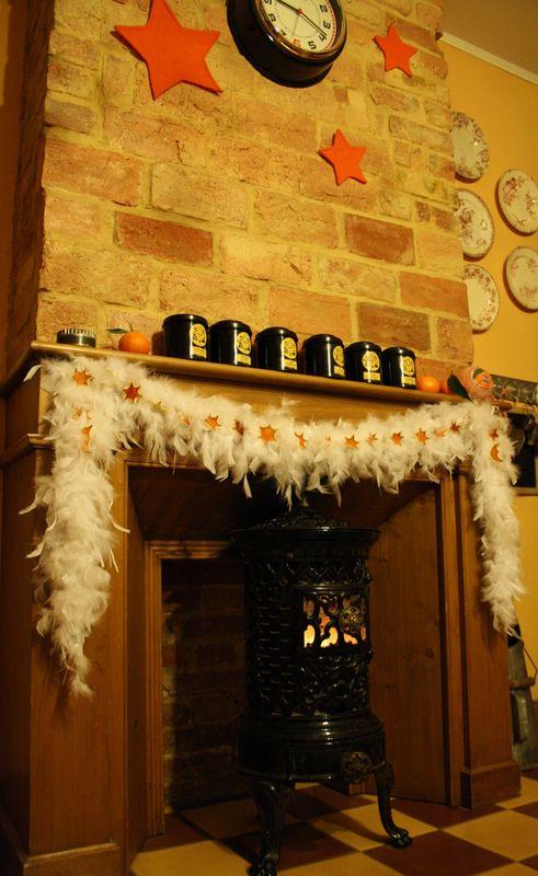 Qui veut des oranges ? (le 6 janv 12) dans Décorations de Noël cheminee-orange