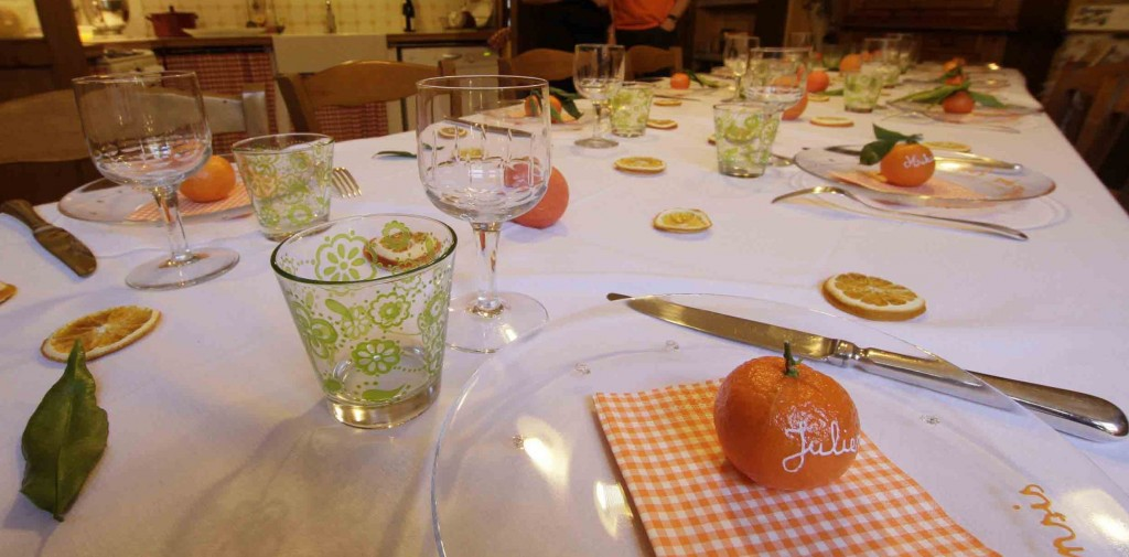 A table ! On mange des oranges ! (le 13 janv 13) dans Décoration de table table-orange-2