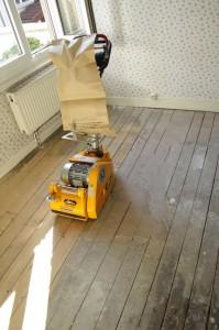 Brille-brille beau plancher ... (le 26 août 13) dans Travaux 1er étage ponceuse-199x300
