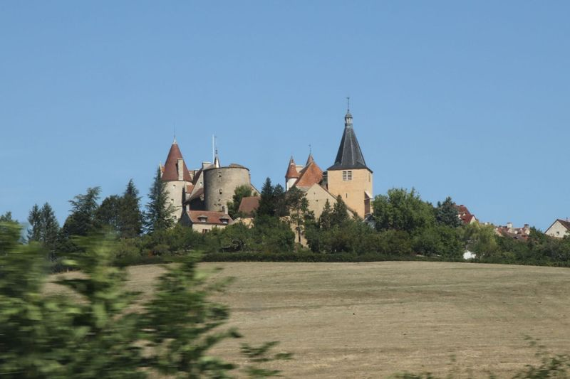 chateauneuf 1